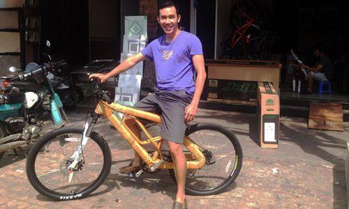 Chiếc xe đạp có khung làm từ sợi mây, tre và dừa kết hợp với gỗ được bán với giá 800-1.500 USD.