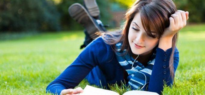 10 Lợi Ích Bất Ngờ Của Việc Đọc Sách